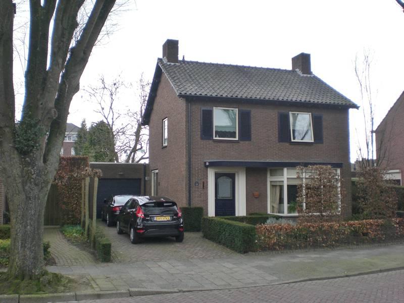 Huis jaren 50 jaren huis met vlag en auto stock afbeeldingen jaren huis google zoeken keuken - Oud gerenoveerd huis ...
